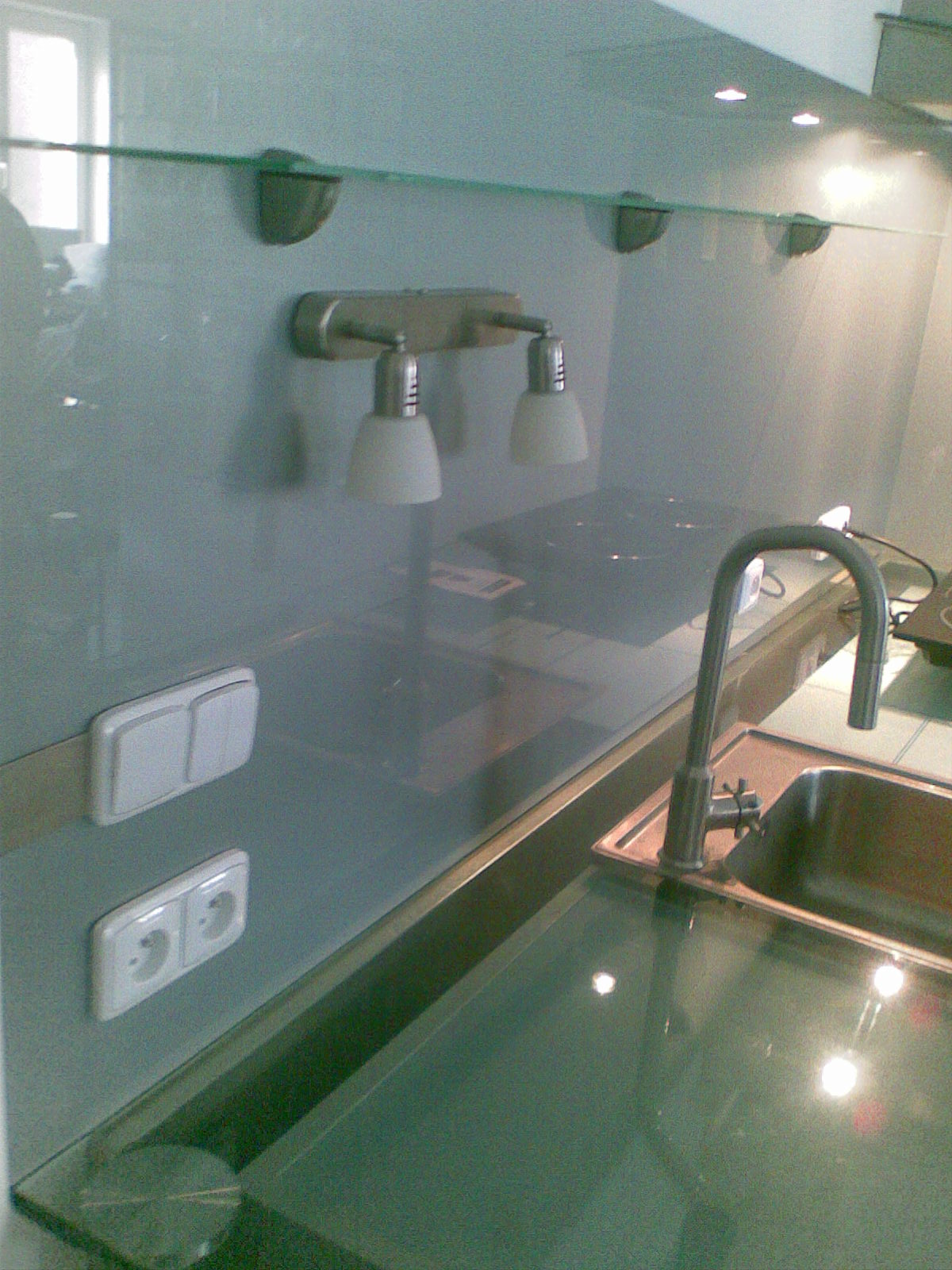 skleněná kuchyně
